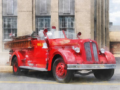 Photograph - Fire Fighters - Vintage Fire Truck by Susan Savad