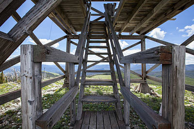 Daysray Photograph - Fire Lookout Tower Entrance by Fran Riley