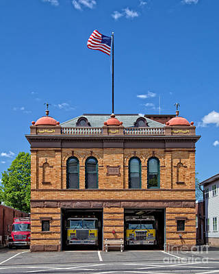 Photograph - Firehouse Middletown Connecticut by Edward Fielding