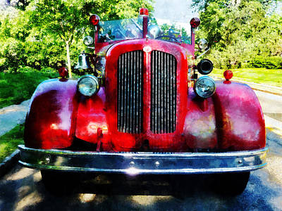 Photograph - Fireman - Front Of Old Fire Engine by Susan Savad
