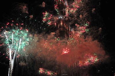 Photograph - Burj Khalifa Fireworks 6 by Dragan Kudjerski