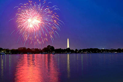 Fireworks Across The Potomac Art Print