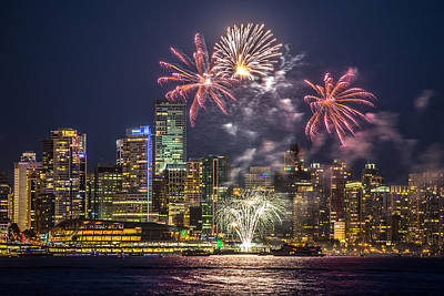 Fireworks In Vancouver Art Print by Pierre Leclerc Photography