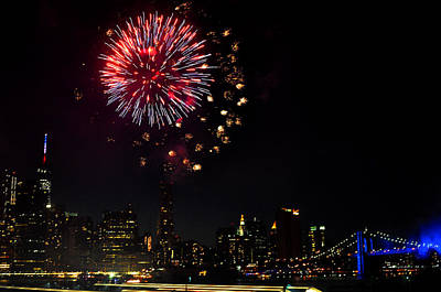 Photograph - Fireworks Over Brooklyn Bridge And Manhattan by Diane Lent