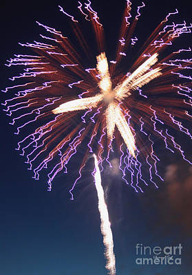 Photograph - Fireworks Series Xii by Suzanne Gaff