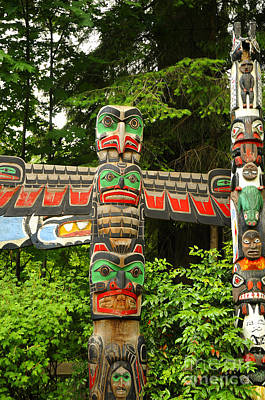 Photograph - First Nation Totem by Brenda Kean