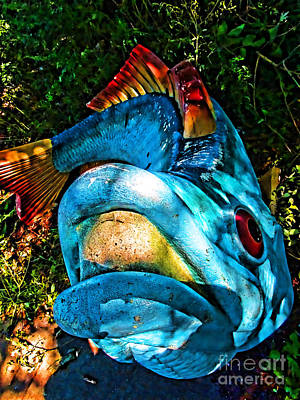 Photograph - Fish Sculpture by Anne Ferguson