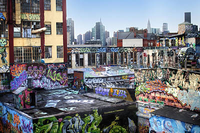 Photograph - Five Points Five Pointz by Dave Beckerman