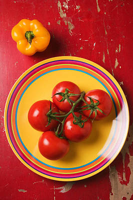 Five Tomatoes On Plate Art Print by Garry Gay