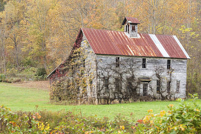 Photograph - Fixer Upper Barn by Jo Ann Tomaselli