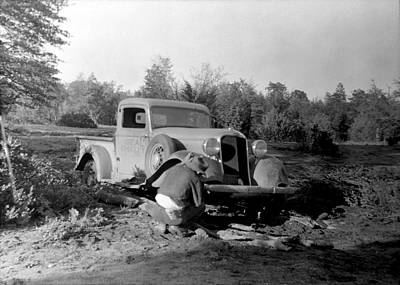 Photograph - Fixing The Truck by Larry Ward