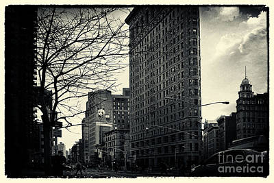 Flat Iron Building Fifth Avenue And Broadway Art Print