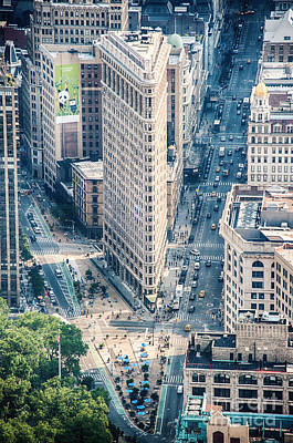 Photograph - Flat Iron Building by Ray Warren