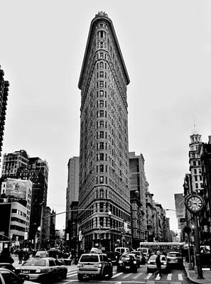 Soap Suds - Flatiron Black And White by Benjamin Yeager