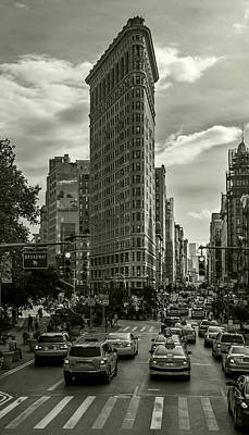 Photograph - Flatiron Building - Black And White by Jatinkumar Thakkar