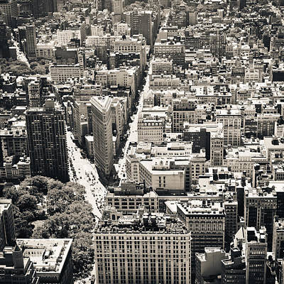 Architecture Photograph - Flatiron Building - New York City by Thomas Richter