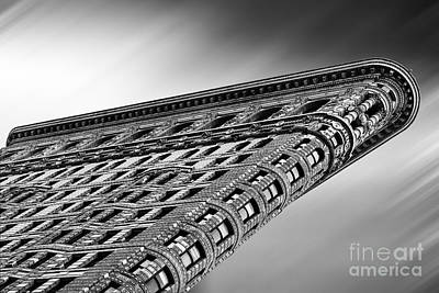 Flatiron Building Nyc Art Print by John Farnan