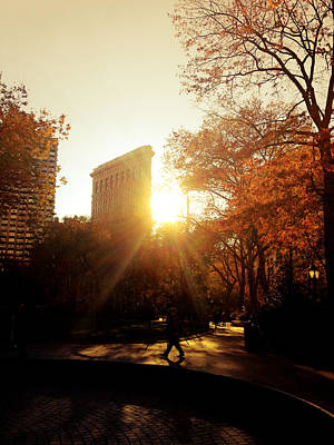Flatiron Building Photograph - Flatiron Building Sunset - Madison Square Park by Vivienne Gucwa