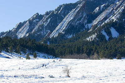Steven Krull Royalty-Free and Rights-Managed Images - Flatiron Hikers by Steven Krull