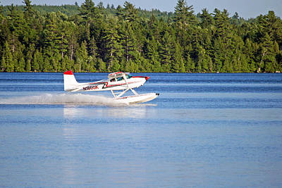 Float Plane Landing On The Lake Art Print by Barbara West