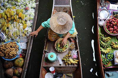 Photograph - Floating Market by Carlos Nizam