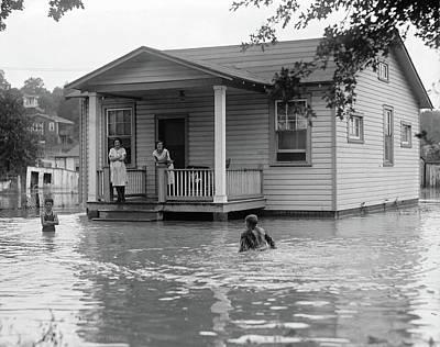 Photograph - Flood, 1922 by Granger