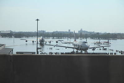 Flooding Of The Airport In Bangkok Thailand - 01135 Art Print by DC Photographer