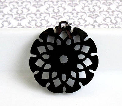 Perspex Necklace Jewelry - Flower Pendant Necklace by Rony Bank