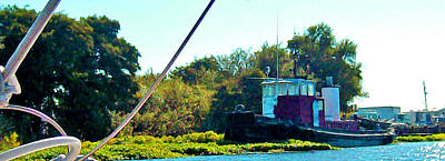 Photograph - Floyd Loves To Hug A Tug by Joseph Coulombe