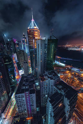 Hong Kong Wall Art - Photograph - Flying Hong Kong by Javier De La
