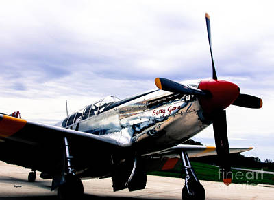 P51 Mustang Photograph - Flying With Betty Jane by Steven Digman