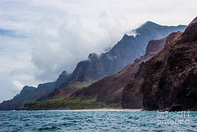 Photograph - Fog In Na Pali by Suzanne Luft