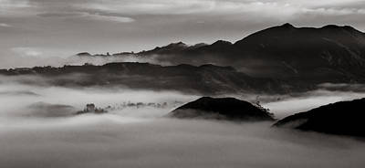 Fog In The Malibu Hills Art Print