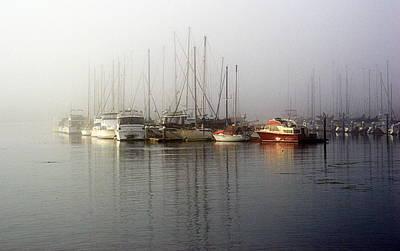 Fog Light In The Harbor Art Print
