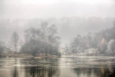 Foggy Morning On The Potomac Print by Francis Sullivan