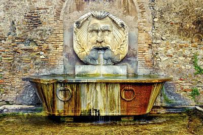 Photograph - Fontana Del Mascherone Di Santa Sabina by Fabrizio Troiani