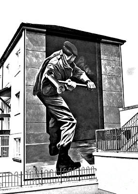 Photograph - Forced Entry Derry Mural by Nina Ficur Feenan