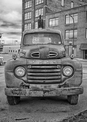 Photograph - Ford F-6 Flatbed Truck 8539 by Guy Whiteley