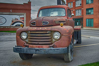 Photograph - Ford F-6 Flatbed Truck 8546 by Guy Whiteley
