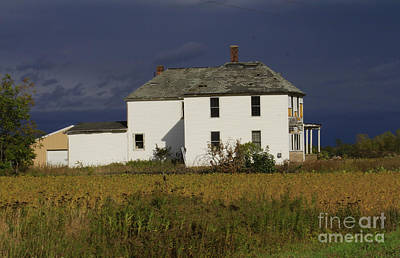 Photograph - Forgotten Farm House by Kathy DesJardins