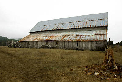 Photograph - Forgotten Farmstead by Kandy Hurley