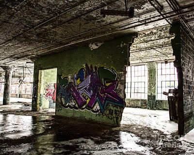 Photograph - Forgotten Walls by Anne Raczkowski