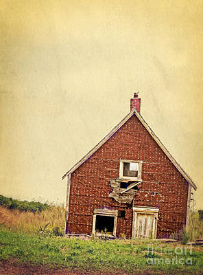 Old Cabins Photograph - Forsaken Dreams by Edward Fielding