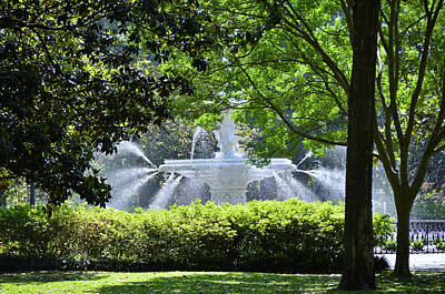 Photograph - Forsyth Fountain 4 by Allen Beatty