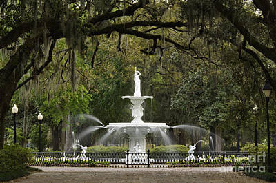 Fountains Photograph - Forsyth Park Fountain - D002615 by Daniel Dempster