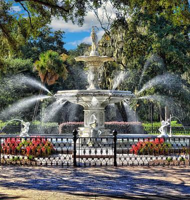 Photograph - Forsyth Park Fountain by Frank J Benz