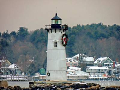 Photograph - Fort Constitution Lighthouse by Marcia Lee Jones
