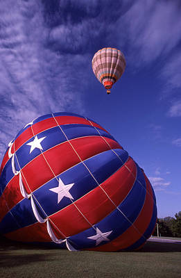 Photograph - Fort Worth Balloons by Wesley Elsberry