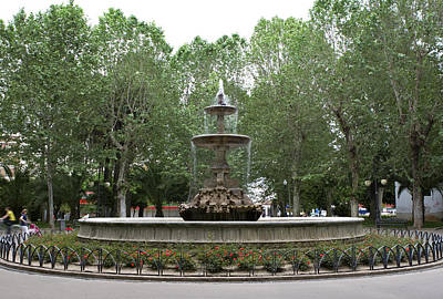 Photograph - Fountain At The Plaza De Colon  by Lorraine Devon Wilke