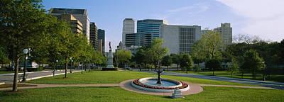 Fountain In A Park, Austin, Texas, Usa Art Print